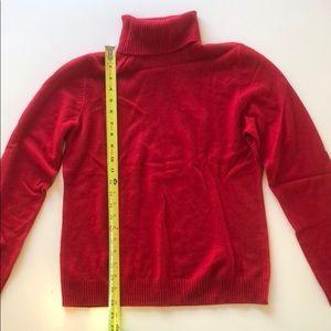 Red Neiman Marcus cashmere turtleneck L